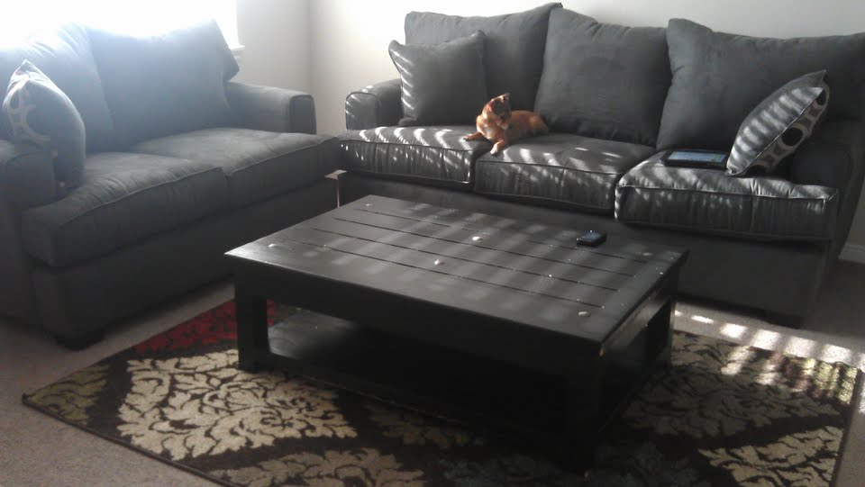 Living Room Update – Coffee Table Redo