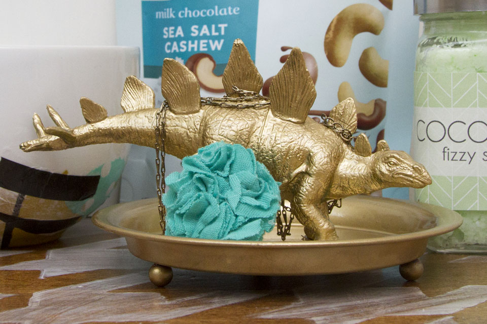 Giving the gift of an experience and mailing a wrapped package - Dinosaur Ring Holder and Jewelry Dish - @hipandsimple