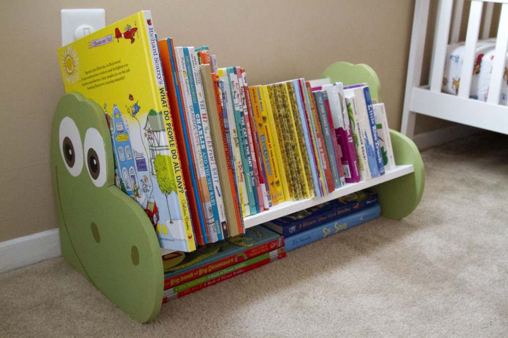 DIY The Good Dinosaur Bookshelf or Dinosaur Bench - ROOM 1