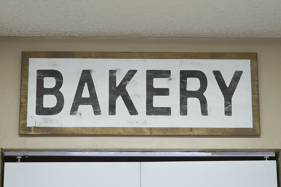 Bakery Sign DIY Farmhouse Decor - Final