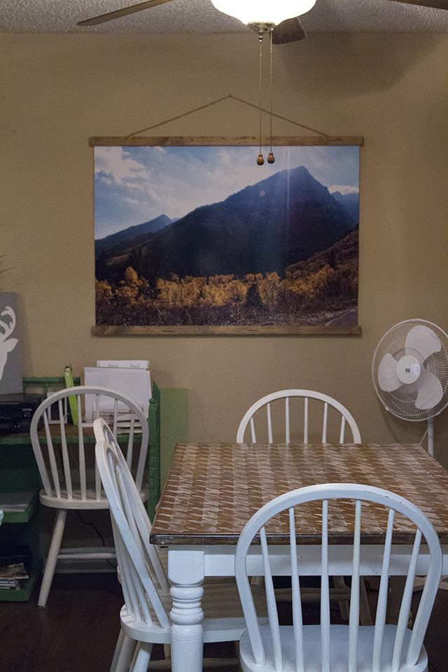 DIY Large Photo Scroll Display