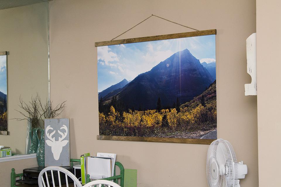 DIY Large Photo Scroll Display 4