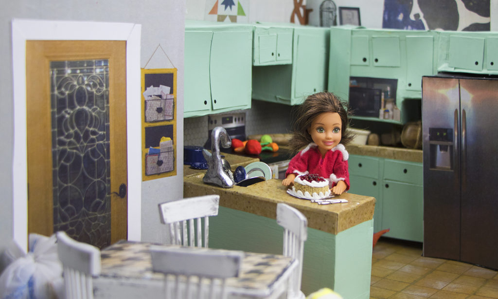 Diorama - Kitchen and doll view